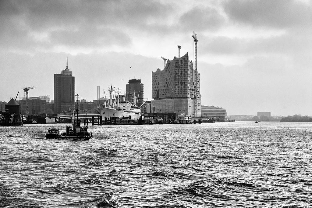 Hamburg - Elbe und Elbphilharmonie